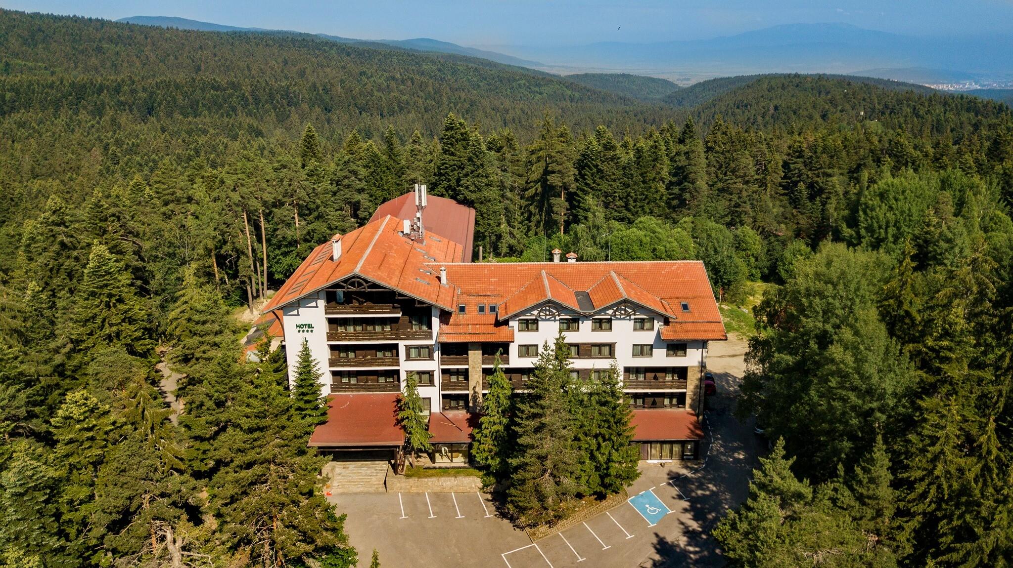 Хотел Лион 4* - общ изглед