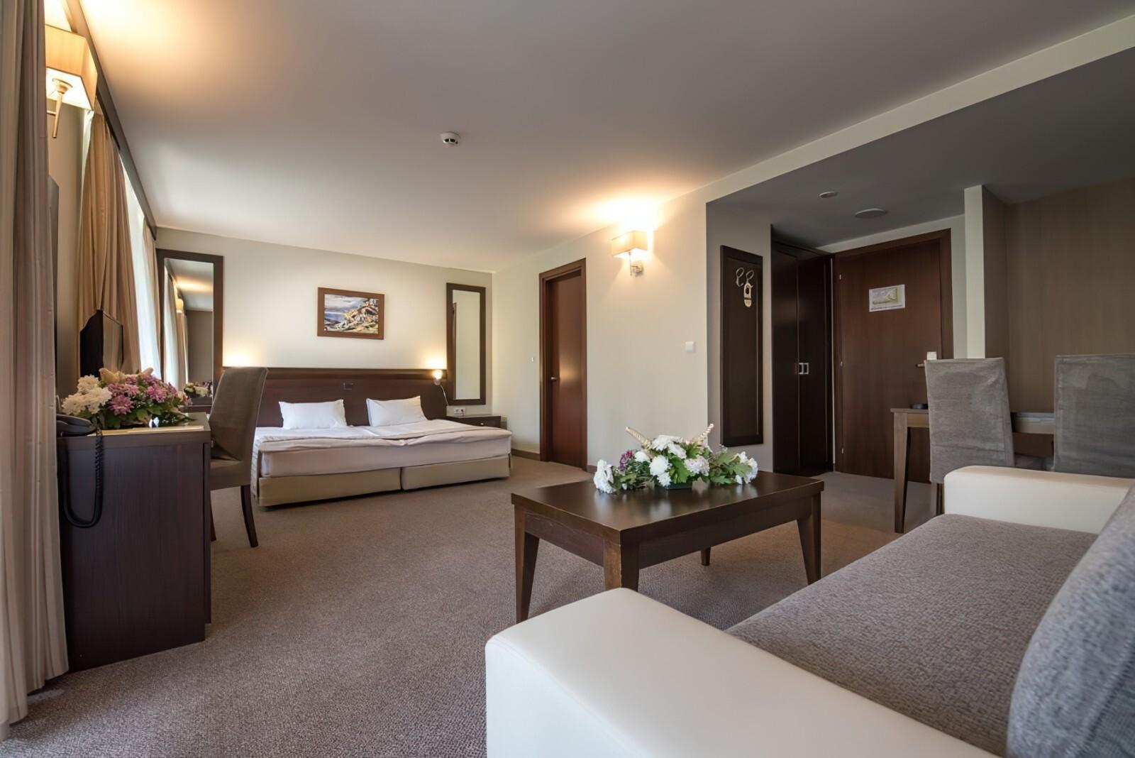 Хотел Лион 4* - фамилна стая