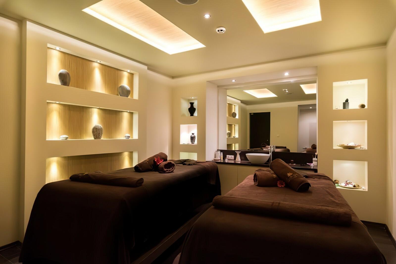 Хотел Лион 4* - масажна стая