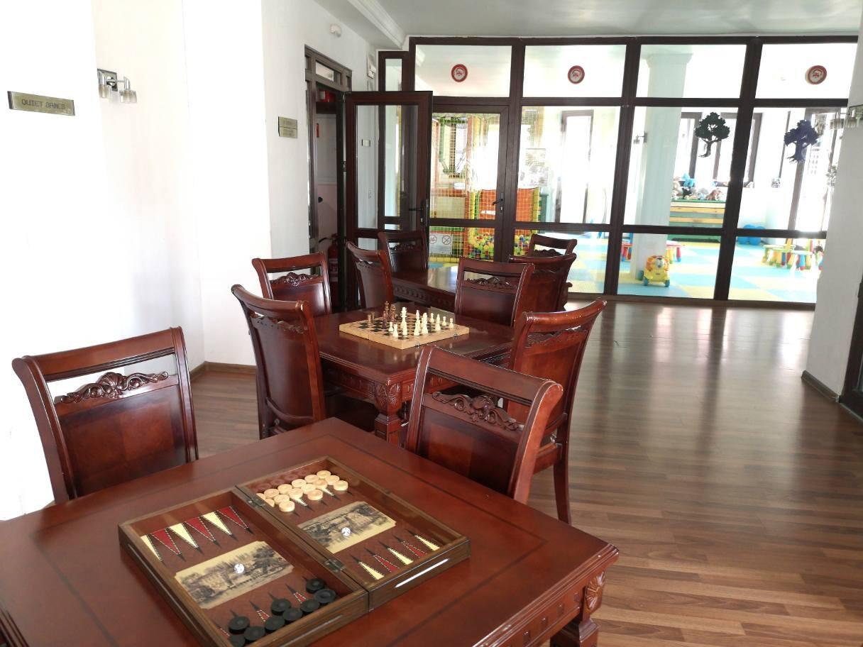 Хотел Орбел - шах