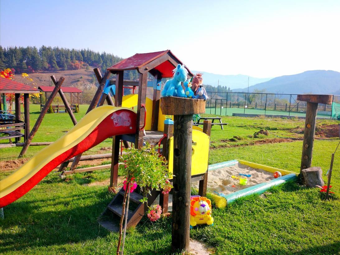 Хотел Орбел - детска площадка