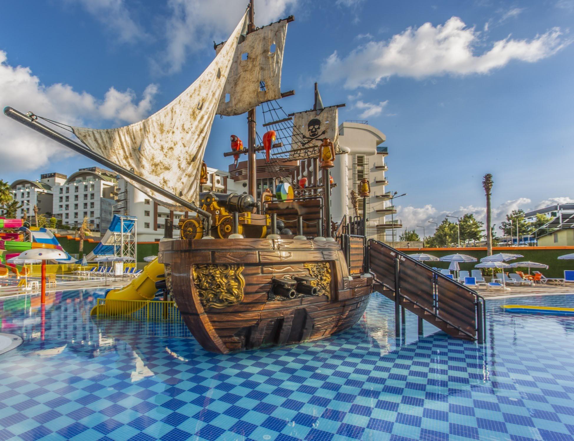 Lonicera Resort  - аквапарк