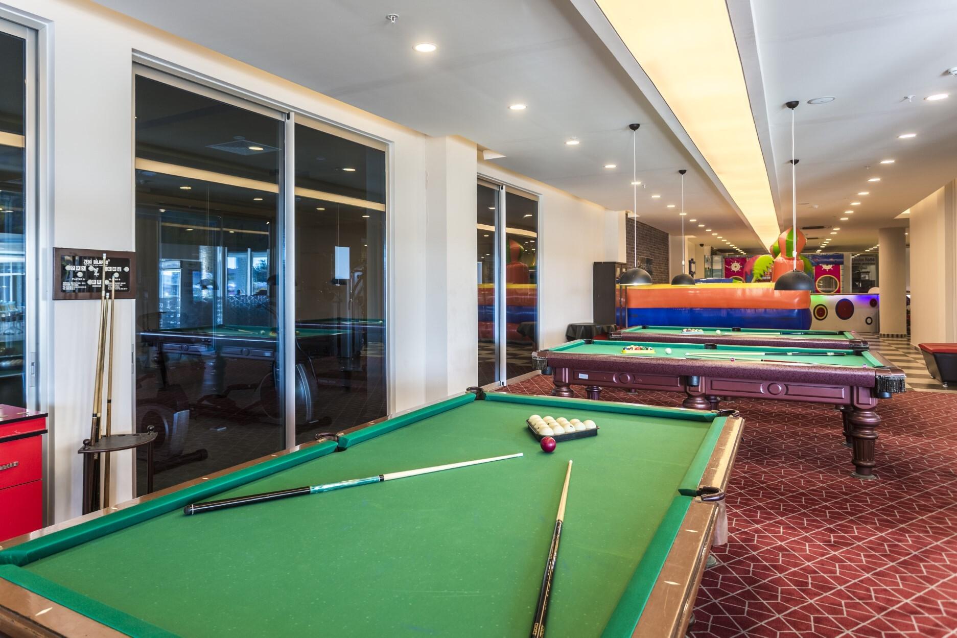 Lonicera Resort & Spa Hotel - билярд