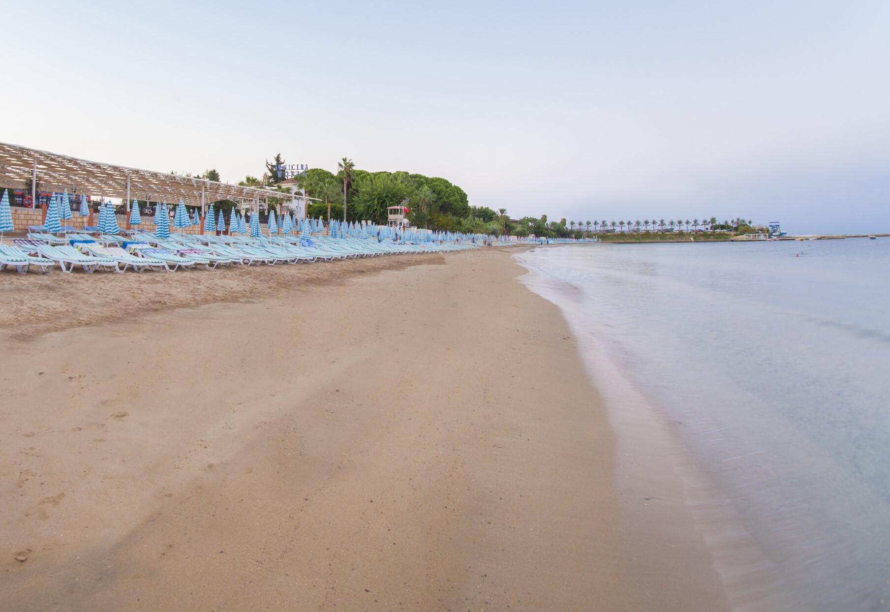 Lonicera Resort & Spa Hotel  - плаж