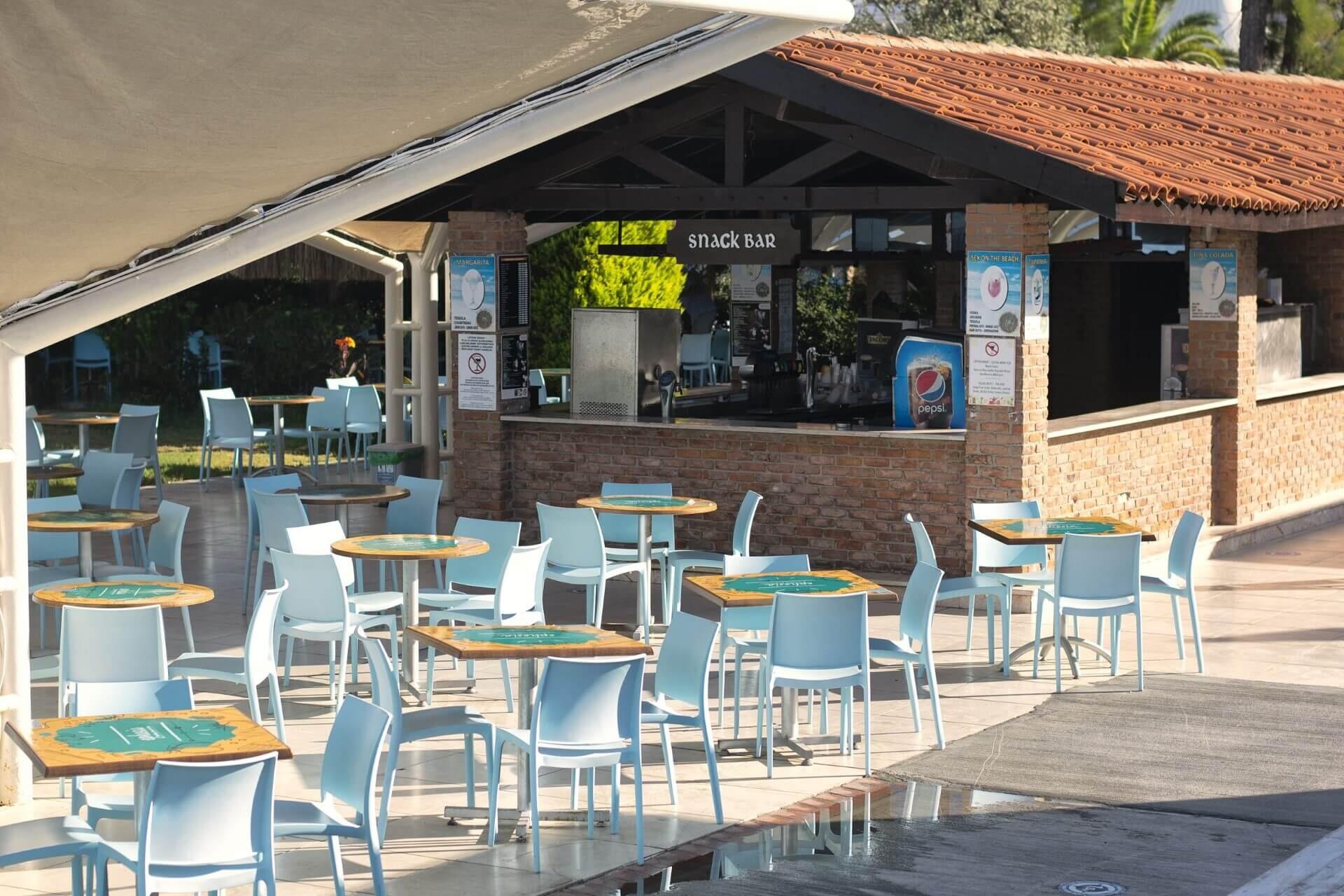 Ephesia Holiday Beach - бар до басейна