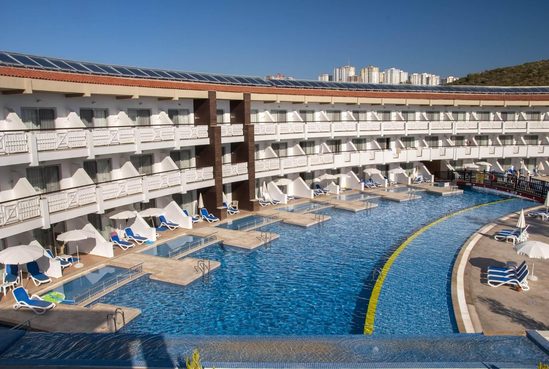 Ephesia Holiday Beach - басейн swim up стаи