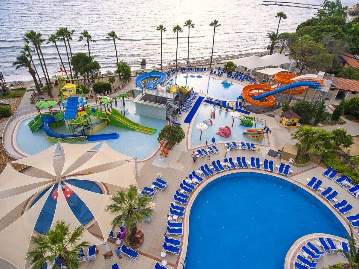 Ephesia Holiday Beach - водни пързалки
