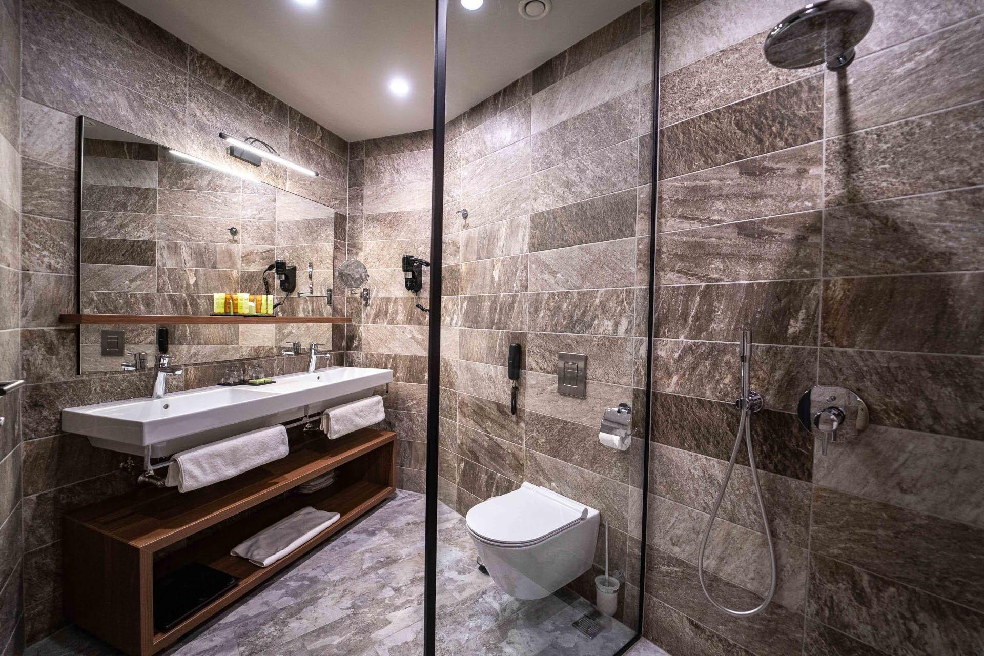 Рейна дел мар - баня стандартна стая
