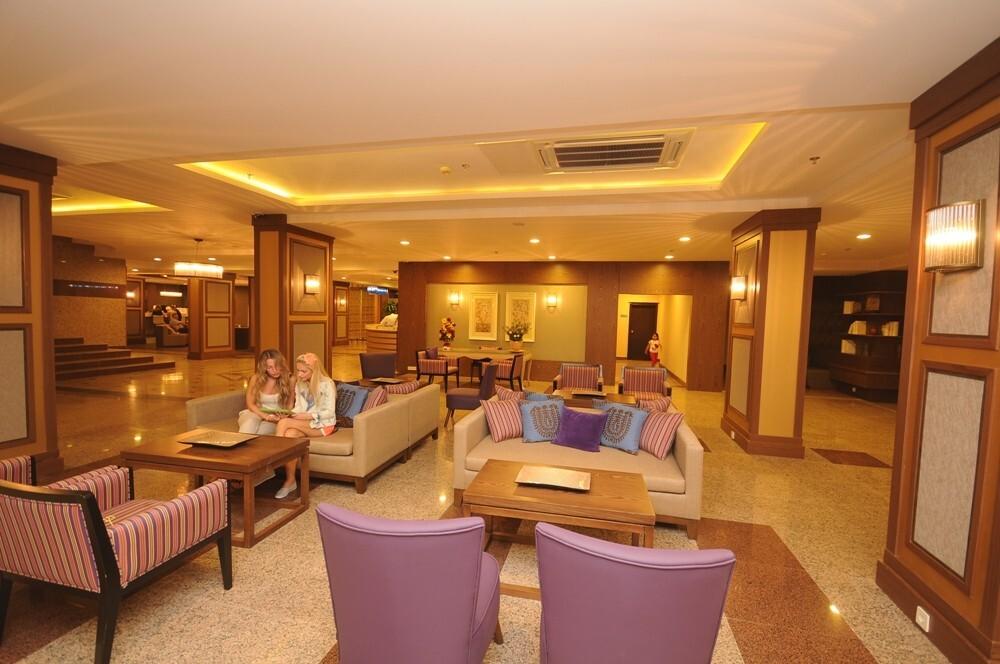Insula Resort & Spa 5* - лоби