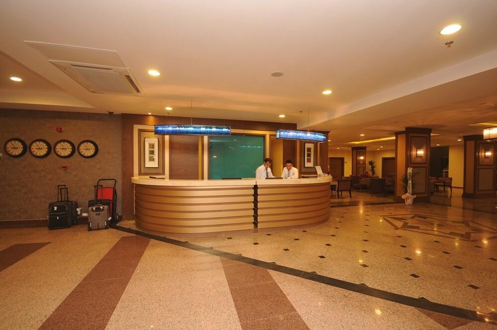 Insula Resort & Spa 5* - рецепция