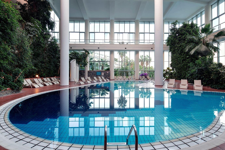 Pine Bay Holiday Resort - закрит басейн