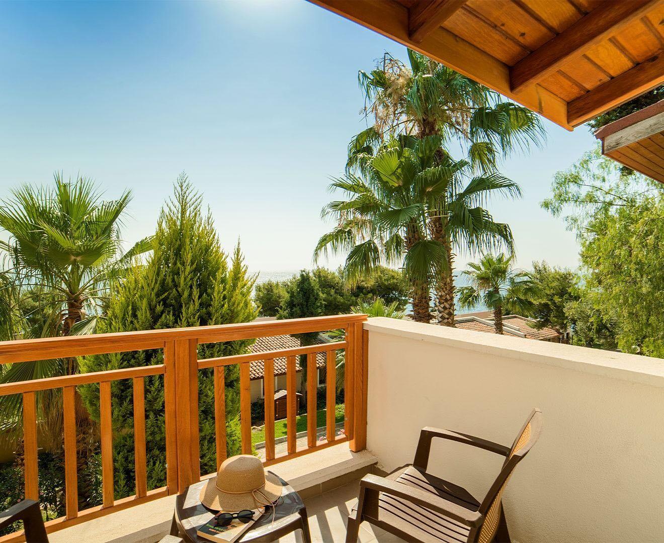 Pine Bay Holiday Resort - тераса