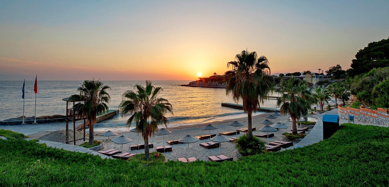 Pine Bay Holiday Resort - плаж