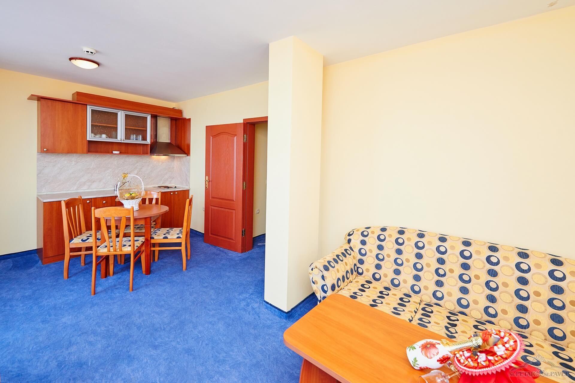 хотел Св. Св. Петър и Павел - едноспален апартамент