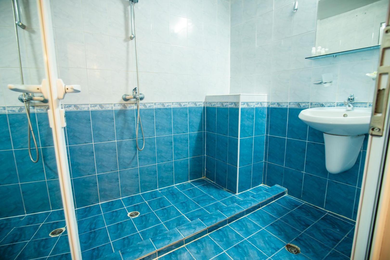 Хотел Бохеми - баня