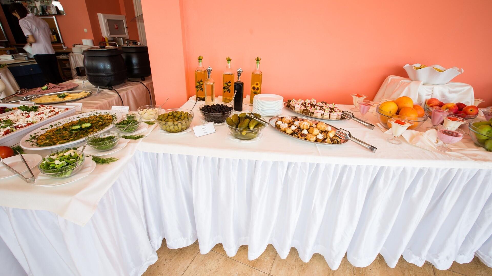 Хотел Бохеми - бюфет