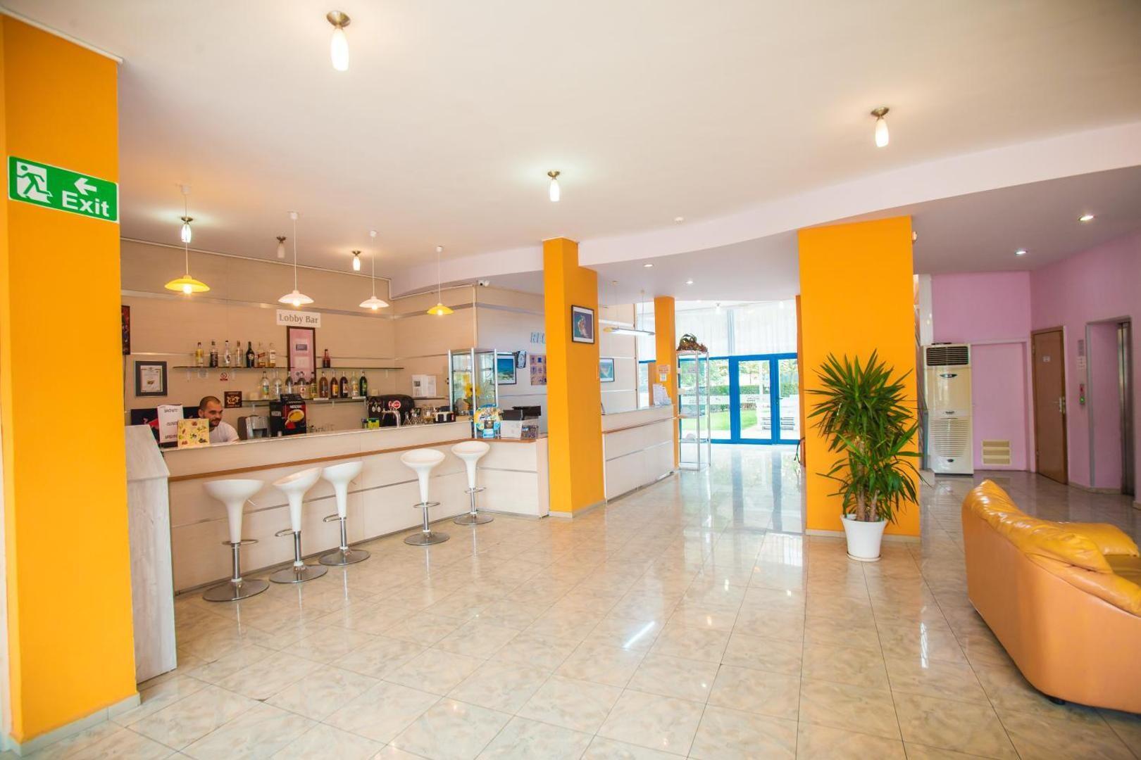Хотел Бохеми - лоби бар