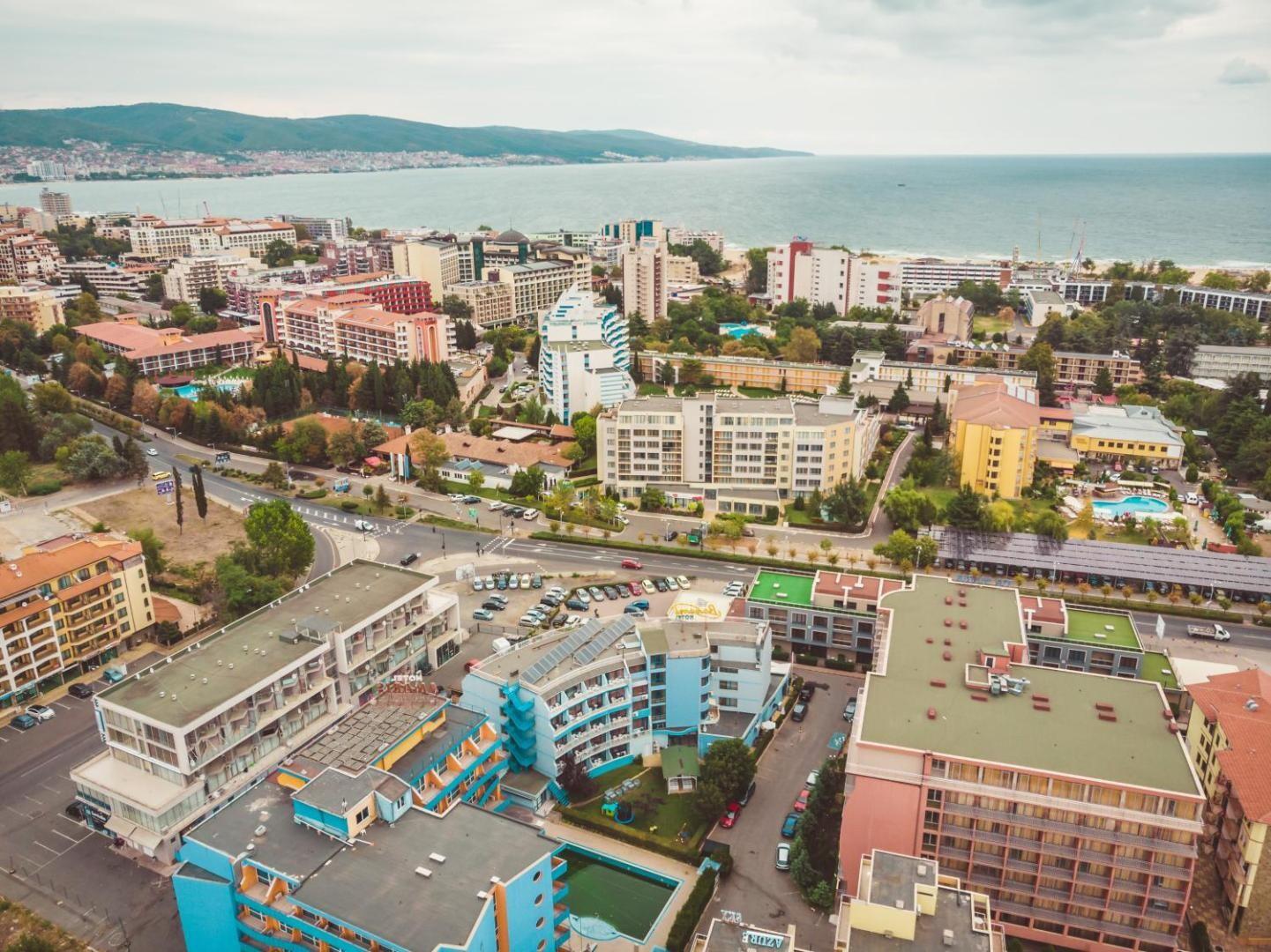 Хотел Бохеми - изглед към плажа